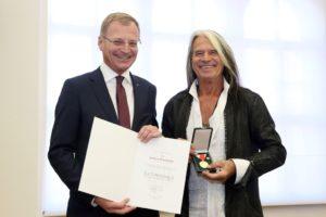 Verleihung Medaille mit Landeshauptmann